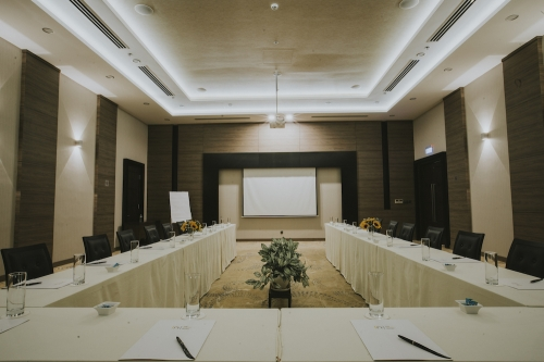 CONTEMPORARY MEETING ROOMS